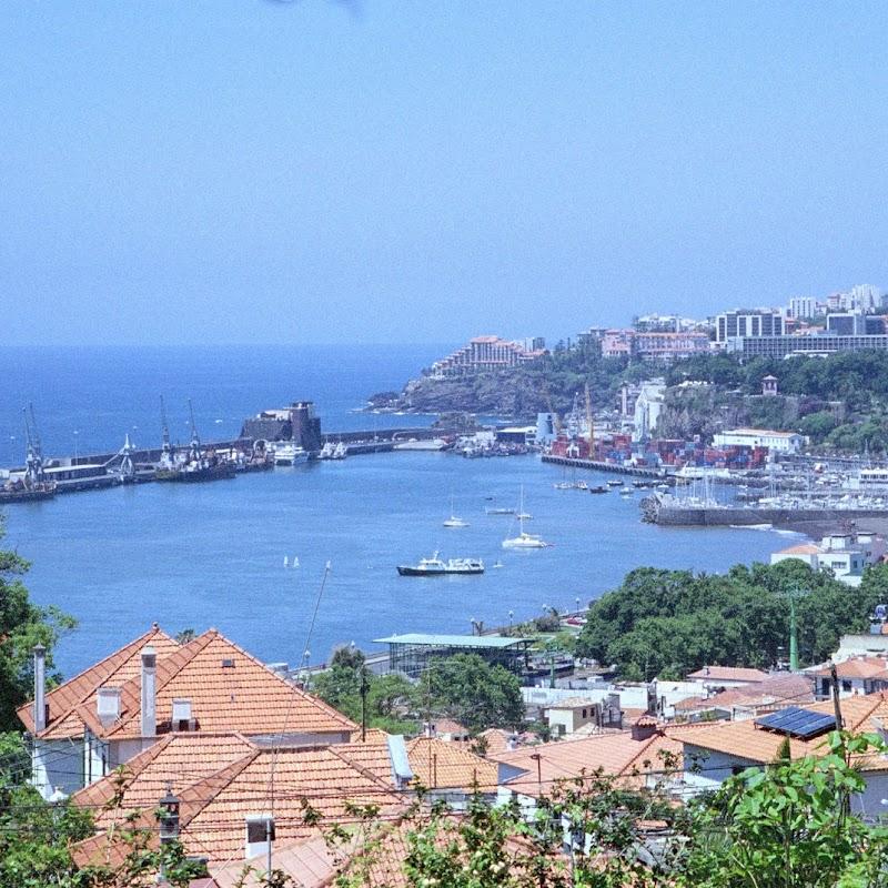 Madeira_06 Funchal Harbour.jpg