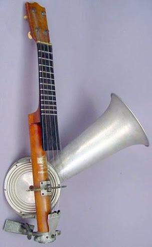 Stroh horn resonator Ukulele