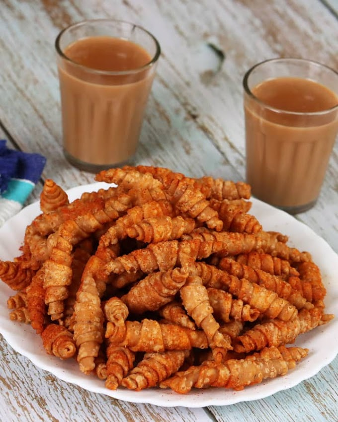 Methi Mathri Recipe | Maharashtrian Recipe