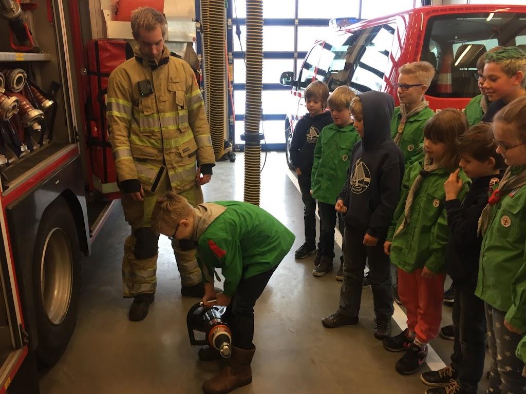 Welpen - Bezoekje aan Brandweer s-Graveland 11-02-2017 - IMG_2967.JPG