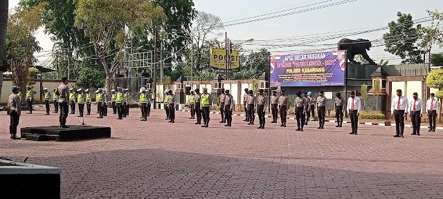Polres Karawang Laksanakan Apel Gelar Pasukan Operasi Patuh Lodaya 2021.