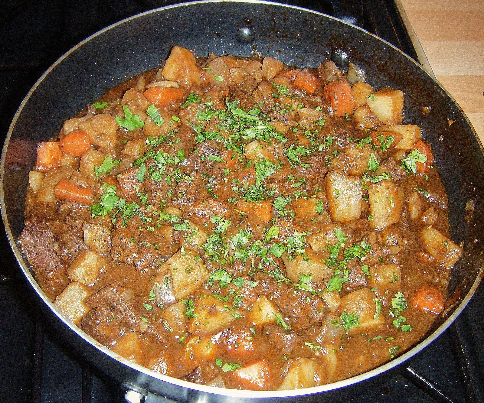 Served from am onwards, they offer both a beef and Guinness stew and a regular traditional Irish stew – the latter made with diced Wicklow lamb, potatoes, onions, carrots, celery, leeks, and a 'bouquet' of herbs, including thyme, rosemary and bay leaf.