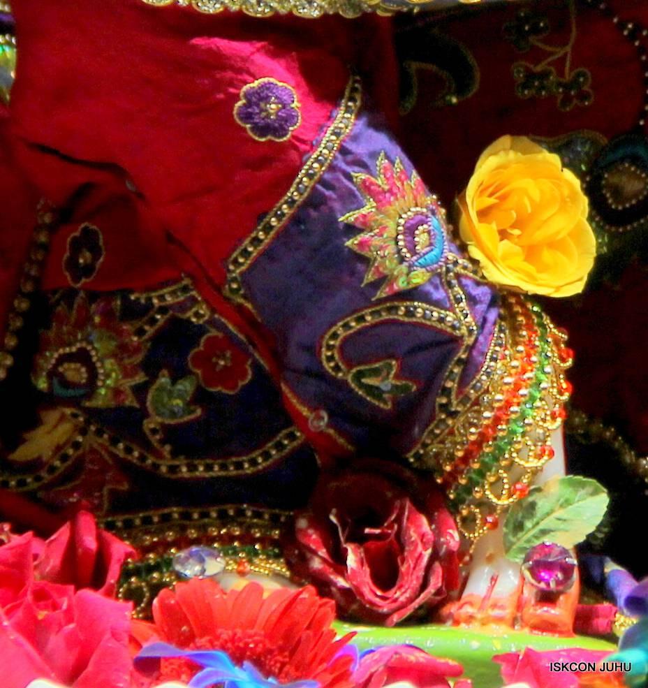 ISKCON Juhu Sringar Deity Darshan 29 Jan 2016 (11)