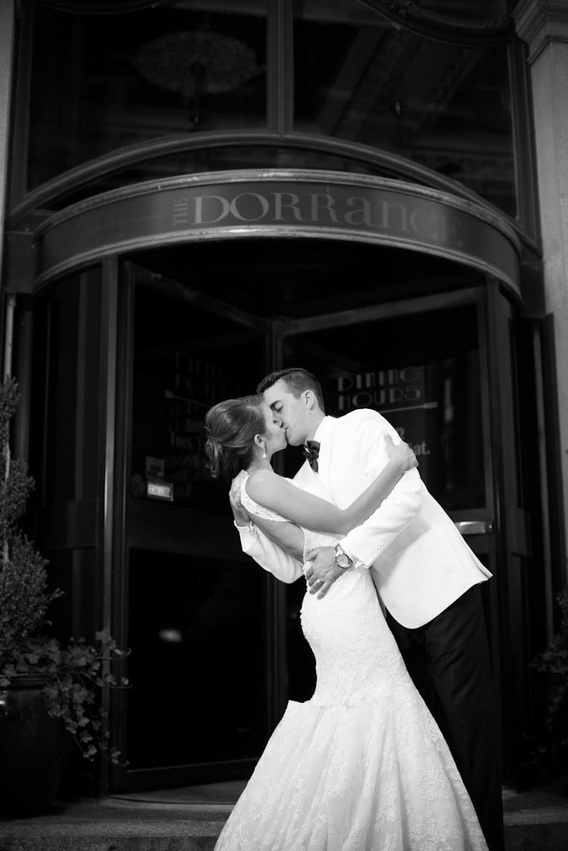 Gregory and Lindsay - Blueflash Photography 420.jpg