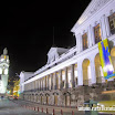 2014-03-19 21-27 Quito Grand Plaza, pałac prezydencki.JPG