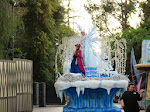 The Frozen pace car of the Disneyland Parade