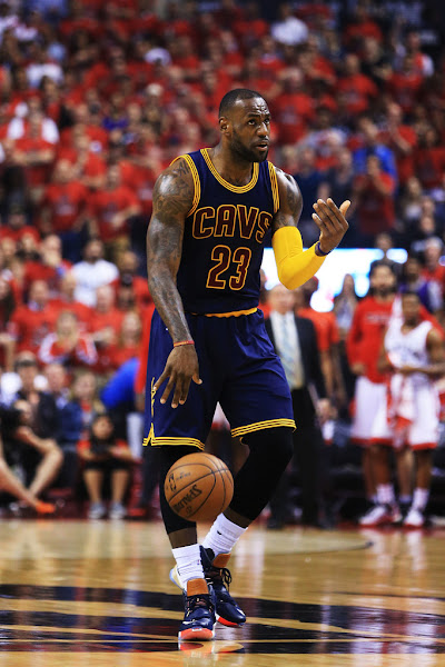 The King Goes With Luxbron LeBron 13s as Cavs Advance to NBA Finals