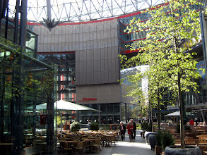 Photo: Im Sony Center Berlin