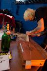 Sigaarboxslideguitarbouwen, foto: Alexander Dijk