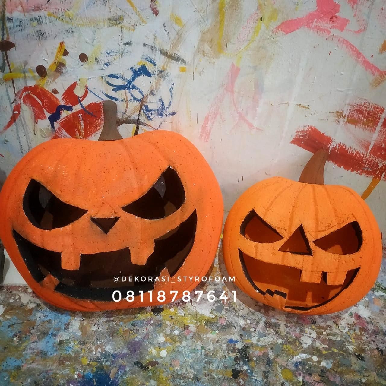 dekorasi styrofoam mengerjakan properti dekorasi untuk momen halloween