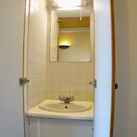 Room I-sink