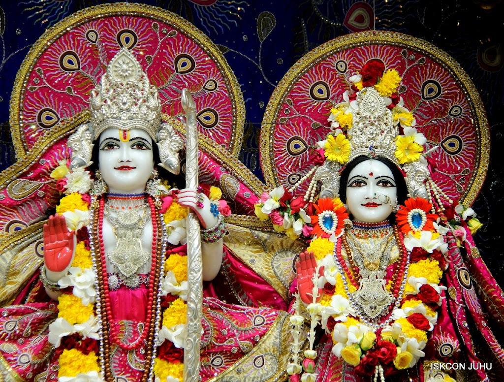 ISKCON Juhu Sringar Deity Darshan on 27th April 2016 (23)
