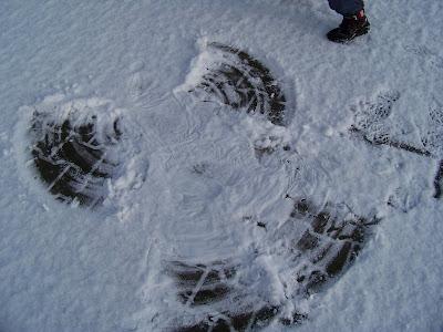 aniołek na śniegu