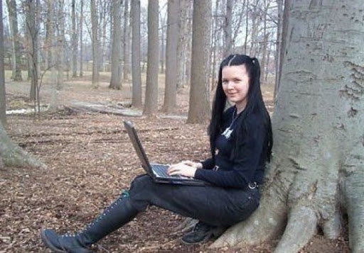 Have A Look At The 7 Most Beautiful Hackers In The World 7