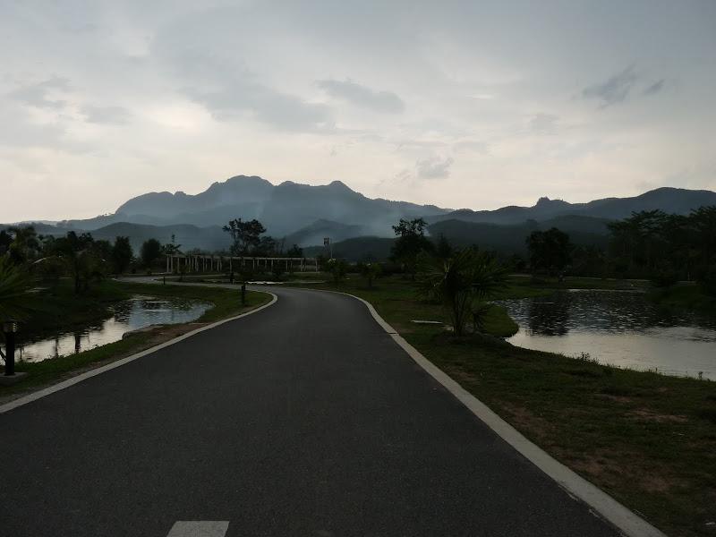 Chine .Yunnan . Lac au sud de Kunming ,Jinghong xishangbanna,+ grand jardin botanique, de Chine +j - Picture1%2B663.jpg
