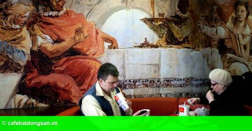 Hình 1: Bất chấp ế ẩm, McDonald's mở thêm nhà hàng tại Nga