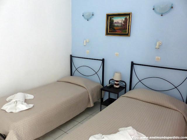 habitacion-grande-murano-hotel-santorini.JPG