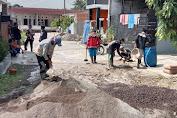 Warga Perumahan FORTUNE Residence Gotongroyong Perbaiki Jalan Lingkungan