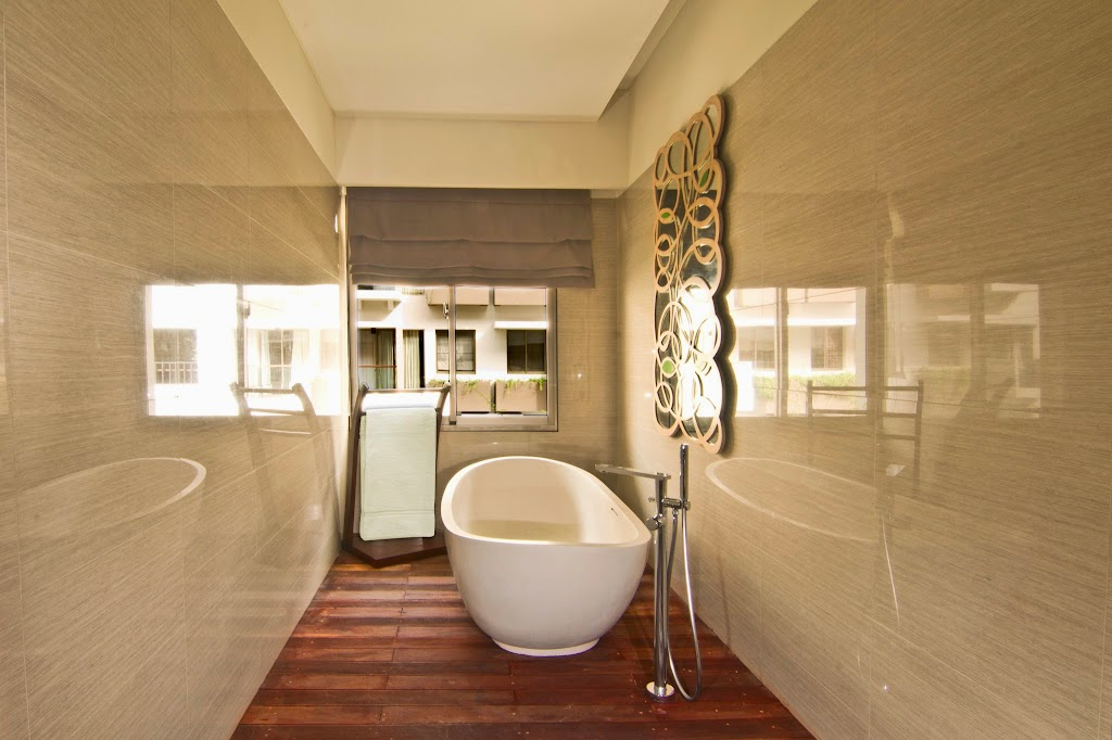 INAYA deluxe bathroom 2nd floor