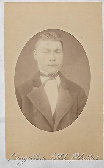 Johan Eliasen Uncle DL ant