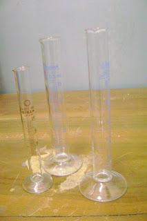 Gelas ukur (Graduated cylinder) , alat ini memiliki berbagai macam ...