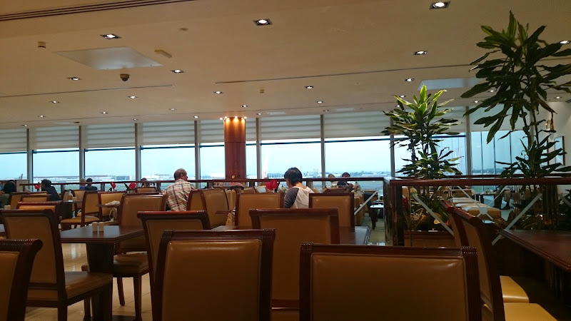 DSC 4556 - REVIEW - The Lounges of LHR T3 - EK, CX and BA (September 2014)
