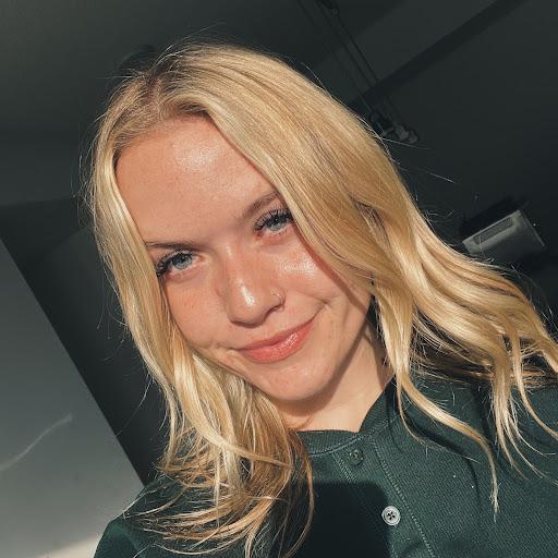 Emma Mckenzie Photo 27