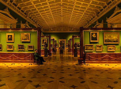 The Tent-Roofed Hall in the New Hermitage, now part of the State Hermitage Museum, displays 17th century Dutch paintings.