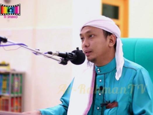 Bikin Geger! Ceramah Ustaz Malaysia Sebut Muslim Indonesia Diperkosa dan Dianiaya Suku Dayak