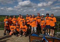 L'équipe au complet sur la colline de Sancerrre (l'équipe à Johnny)