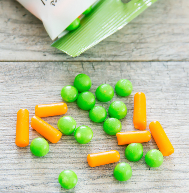 close-up photo of peas and carrots jelly bellies