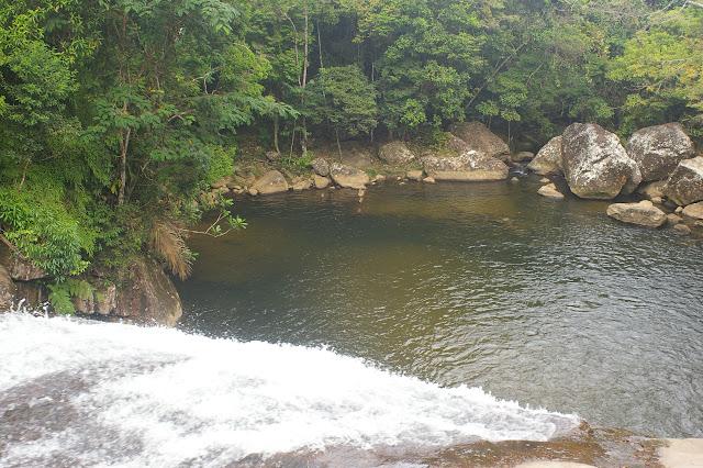 Cachoeira Prumirim, à l'ouest de Picinguaba (Ub. SP) : lieu de passage de Morpho helenor achillaena. 14 février 2011. Photo : J.-M. Gayman