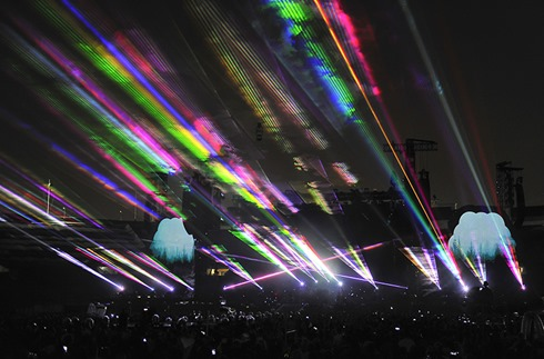 coldplay-Lasers2