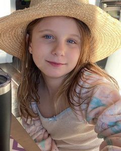 Bryn Hoppy Birthday, Age, Height, Siblings, Parents