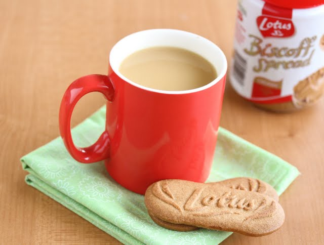 photo of a mug of Hot Biscoff Milk with two biscoff cookies