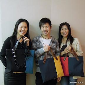 3人で帆布のバッグを制作されました。一つはプレゼント用です。