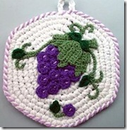 Crochet grapes