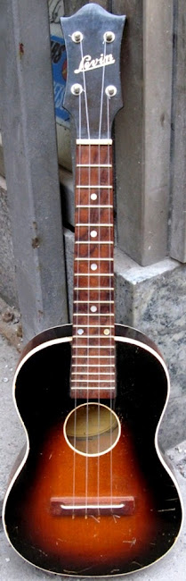 1942 sunburst Levin 500 model soprano at Lardy's Ukulele Database