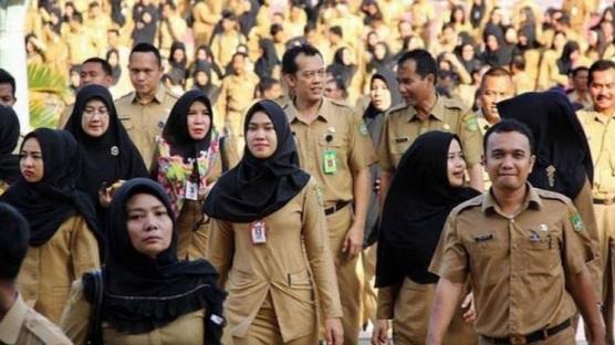 Aturan Baru Presiden Jokowi: PNS Bolos 10 Hari Berturut-turut Bakal Dipecat