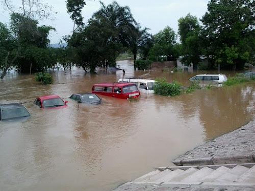 Les inondations ont fait une cinquantaine de morts à Boma ...