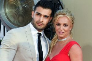 Britney Spears' boyfriend, Sam Ashgari spotted shopping for rings at Cartier