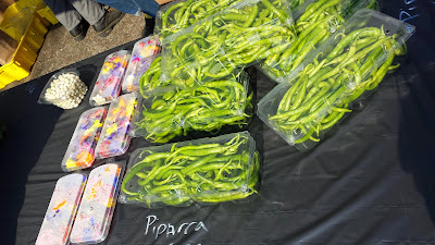 Portland Farmers Market PSU, Viridian Farms edible flowers and Piparra