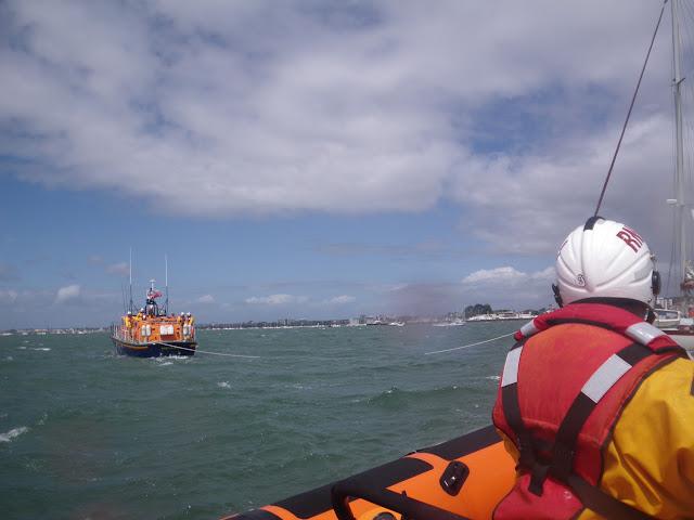 22 May 2011 – ALB towing yacht