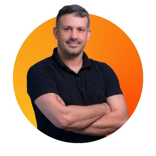 Simon Queiroz