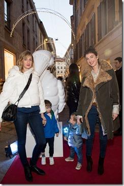 MONCLER ENFANT OPENING EVENT MILANO SPIGA_Eva Riccobono e Leonardo, Marta Ferri e Alma