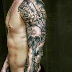 crâne-rose-requin-noir-et-blanc-bras.jpg