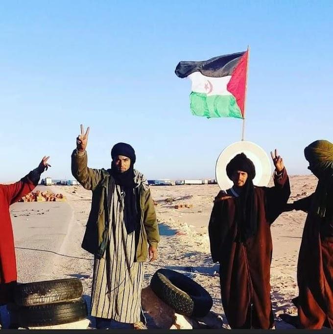 Decenas de activistas saharauis están instalados en El Guerguerat y no piensan irse.
