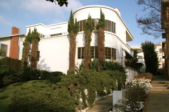 1936 - Streamline Moderne