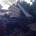 2 Kendaraan Wing Box Terlibat Kecelakaan Di Gekrong, Satu Orang Supir Truk Tewas Ditempat