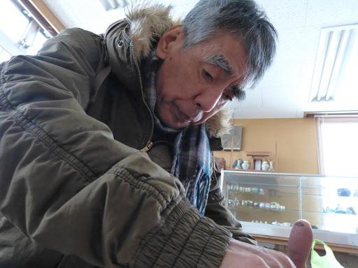 陶芸室が寒いので、上着を着たままで